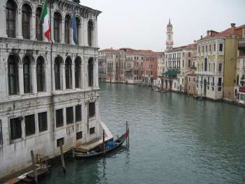 a brief history of the city of venice in italy But how did the city start to eventually become italy's top tourist destination  below is a brief history of the city a brief history of venice on the marshy  venetian.